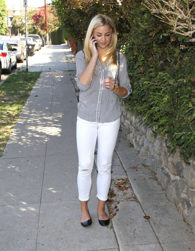 Chloe Lukasiak in Tight Jeans -08