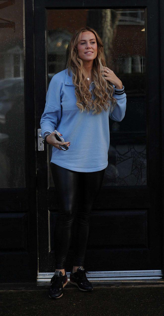 Chloe Meadows: Leaving hair salon SNM -01