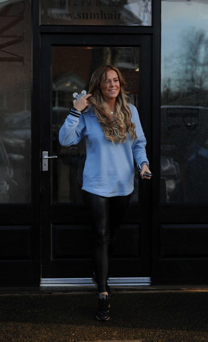 Chloe Meadows: Leaving hair salon SNM -05