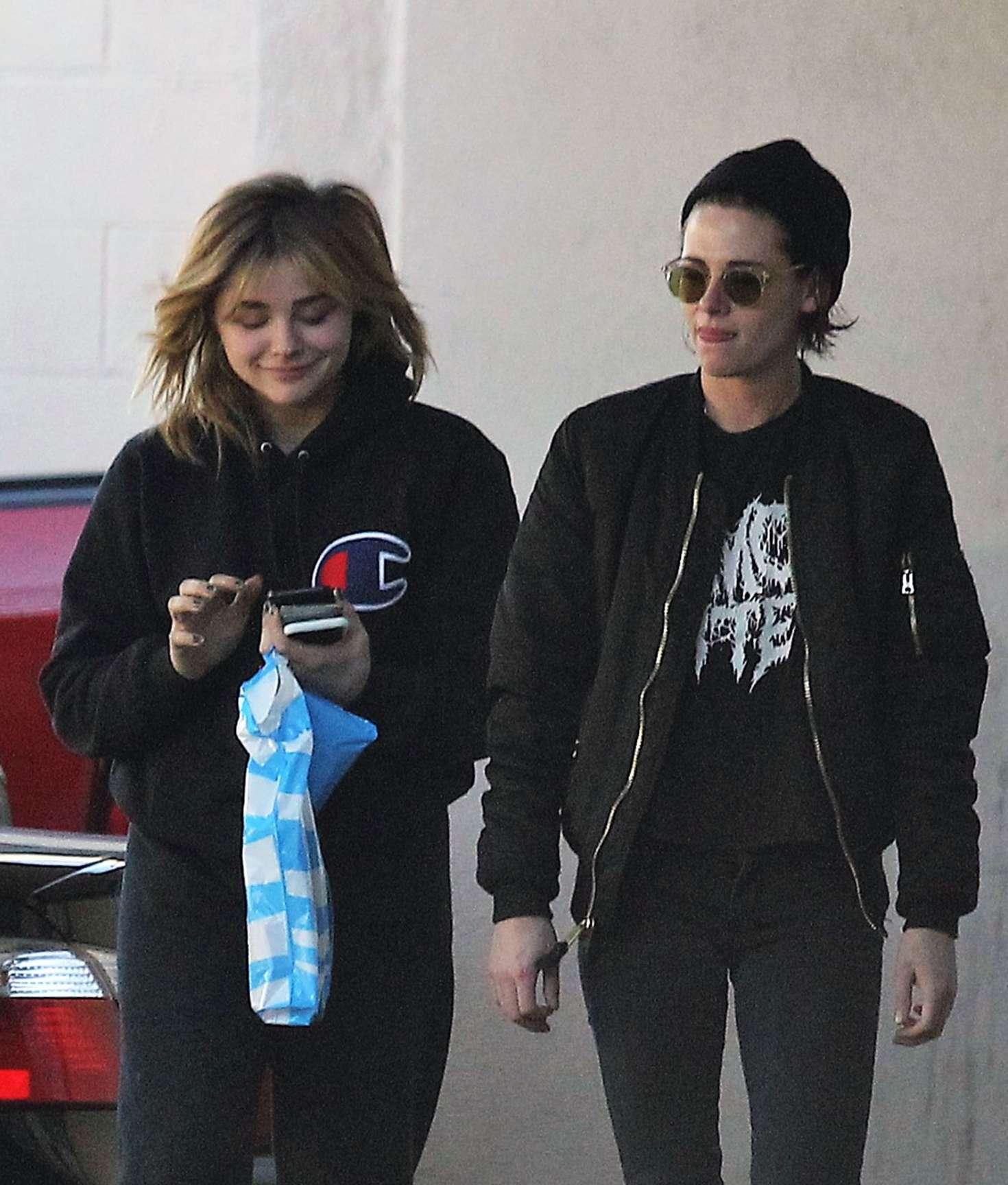 Chloe-Moretz-and-Kristen-Stewart-Out-in-
