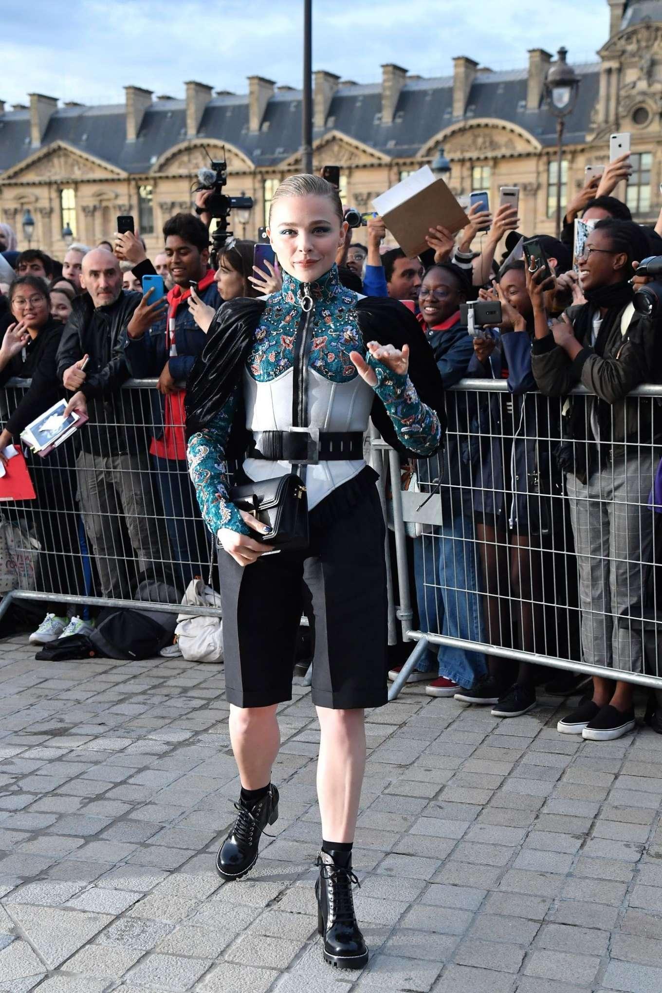 Chloe Moretz 2019 : Chloe Moretz – Arrives at Louis Vuitton SS 20020 Paris Fashion Show-03