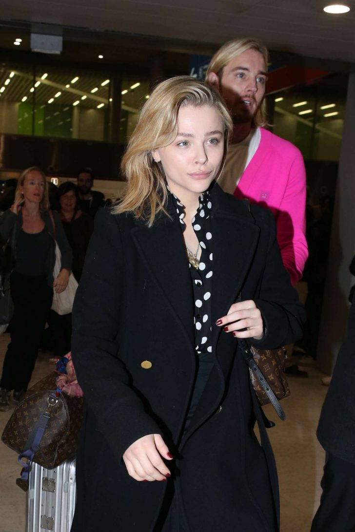 Chloe Moretz - Arriving at Charles de Gaulle Airport in Paris