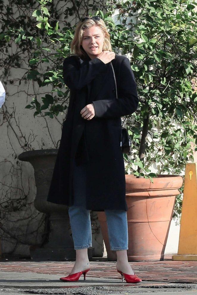 Chloe Moretz – Grabs lunch with a friend in LA