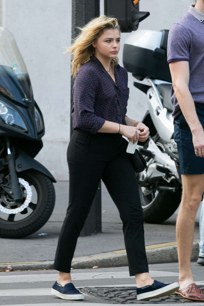 Chloe Moretz Booty in Black Pants -12
