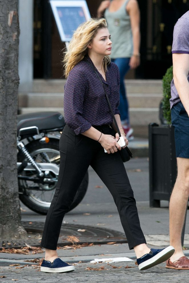 Chloe Moretz Booty in Black Pants -15