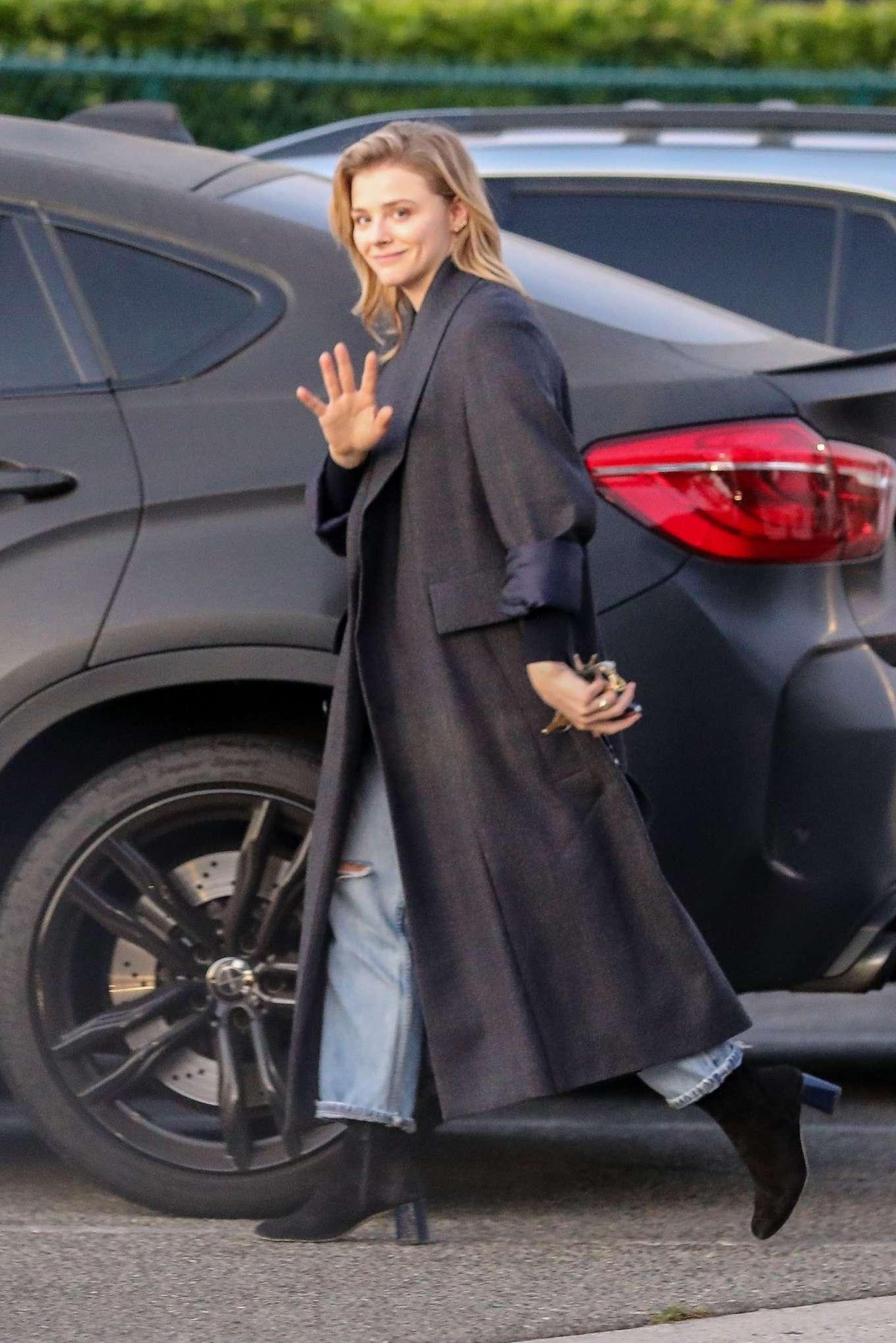 Chloe Moretz 2019 : Chloe Moretz in Long Coat – Out in Beverly Hills-01