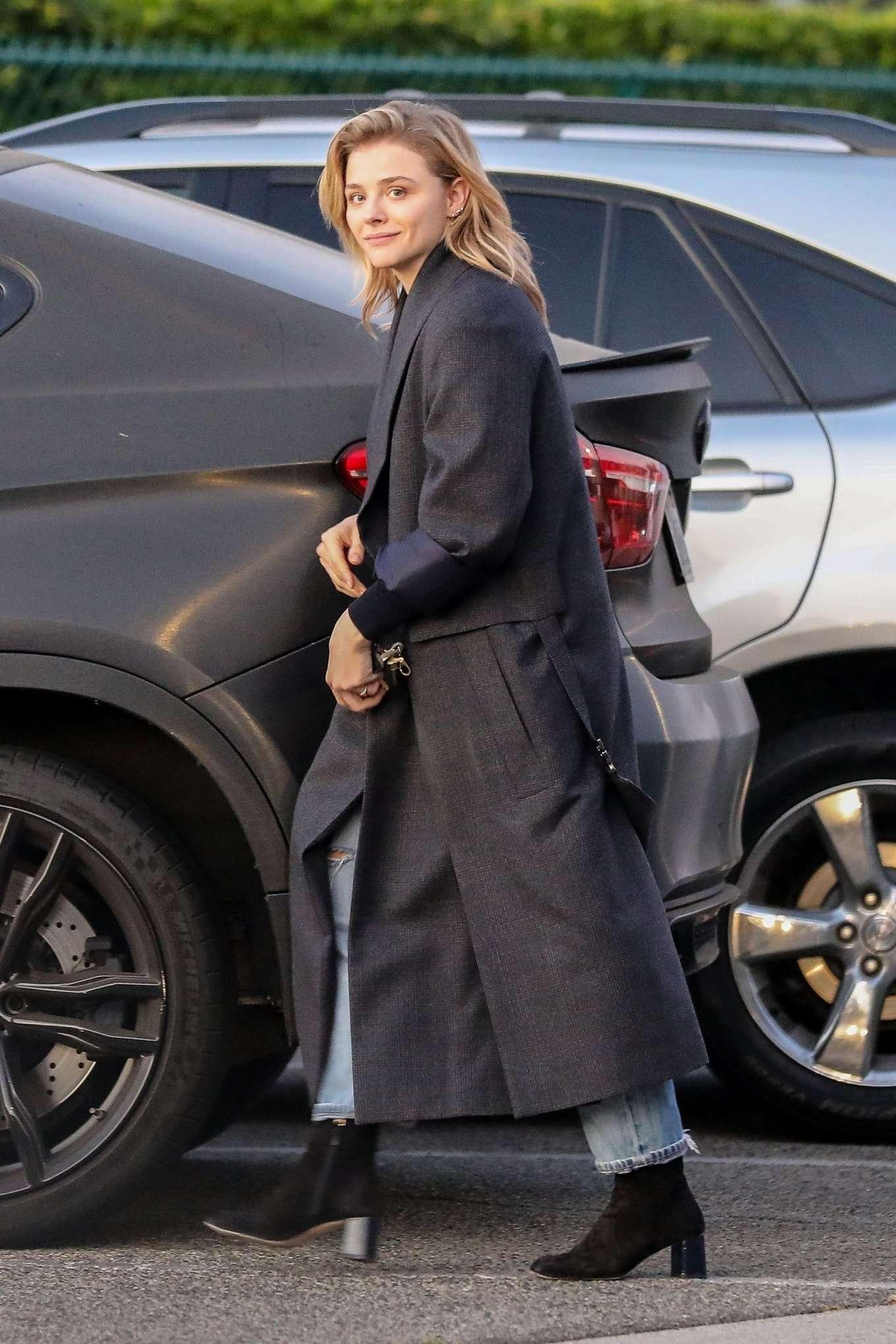 Chloe Moretz 2019 : Chloe Moretz in Long Coat – Out in Beverly Hills-03