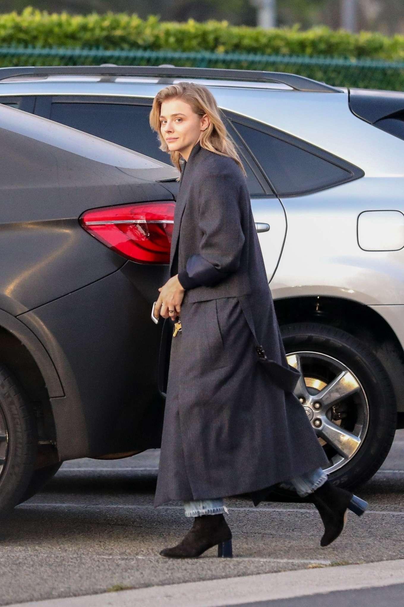 Chloe Moretz 2019 : Chloe Moretz in Long Coat – Out in Beverly Hills-06