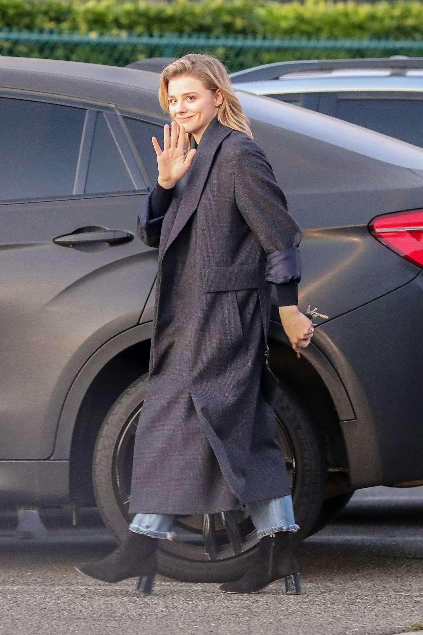 Chloe Moretz 2019 : Chloe Moretz in Long Coat – Out in Beverly Hills-07