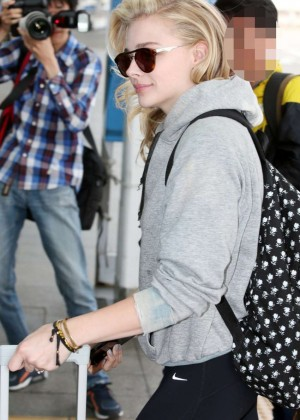 Chloe Moretz in Tights at Incheon Airport -01