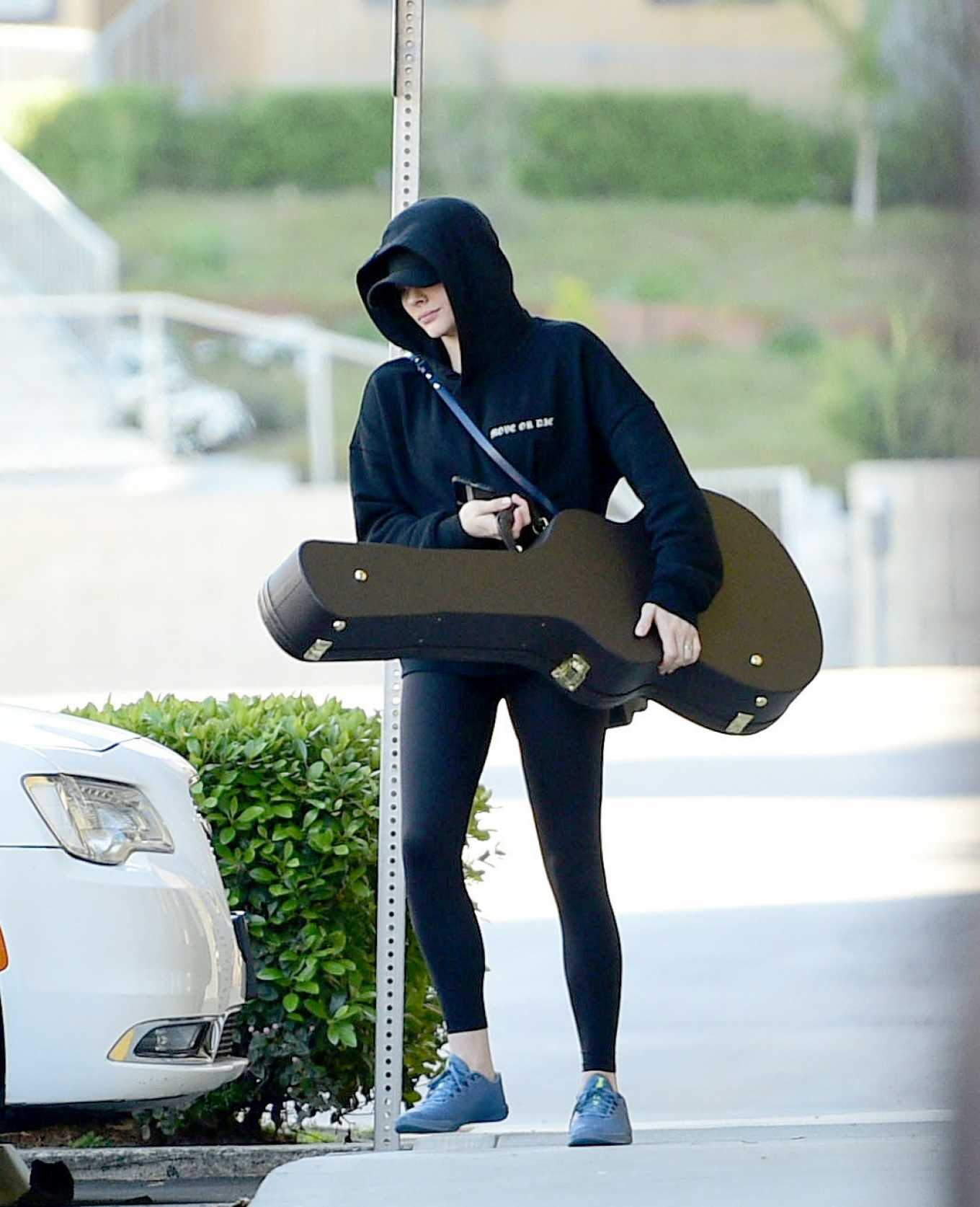 Chloe Moretz 2020 : Chloe Moretz – Leaving a studio in Los Angeles-05