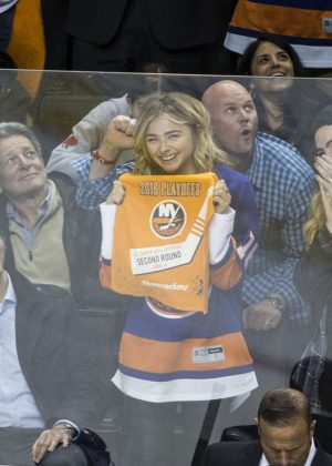 Chloe Moretz - New York Islanders vs Tampa Lightning in Brooklyn