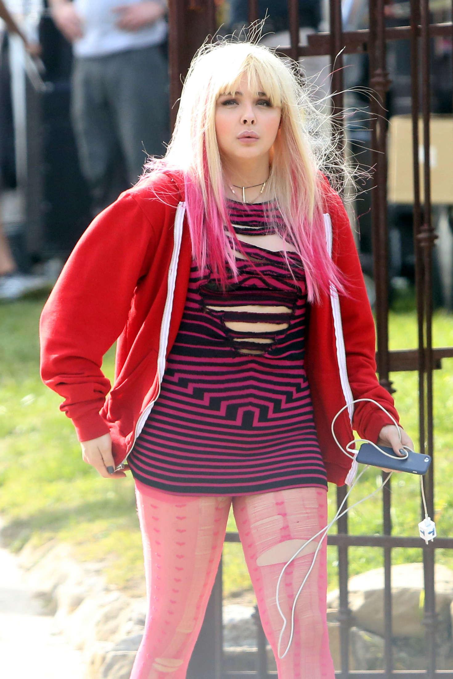 Chloe Moretz - On set of 'Neighbors 2' in Los Angeles