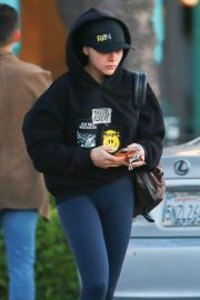 Chloe Moretz - Stops at a grocery store in LA