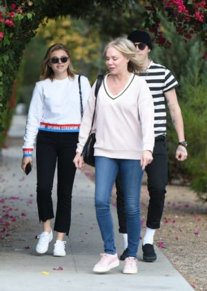 Chloe Moretz with her mom and Brooklyn Beckham out in LA
