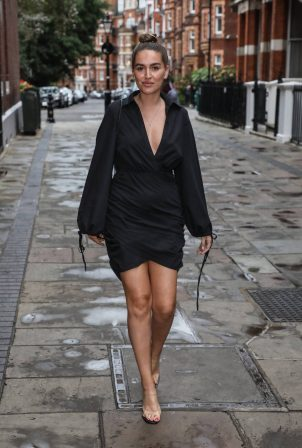 Chloe Ross - Looks classy in a little black dress in London