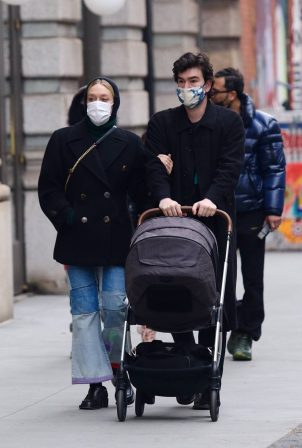 Chloe Sevigny - With Sinisa Mackovic and their baby in Manhattan's Soho area