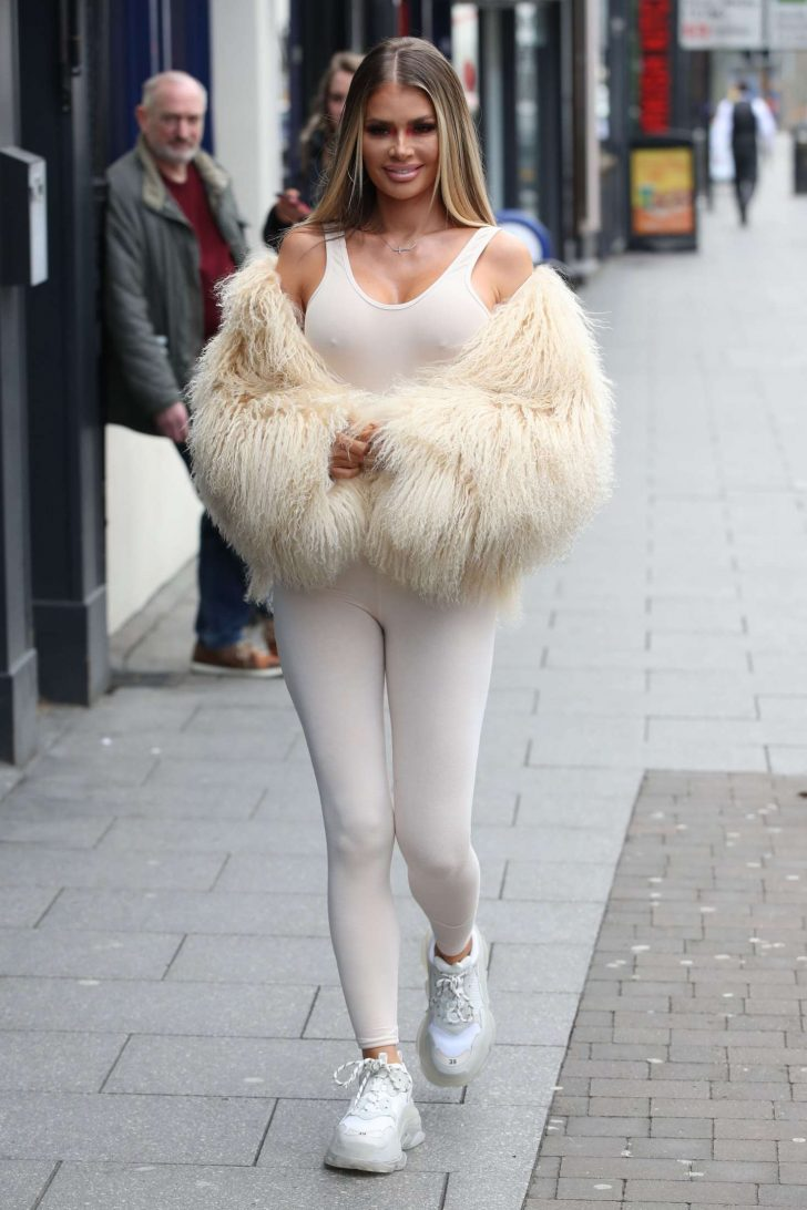 Chloe Sims - Filming in Brentwood