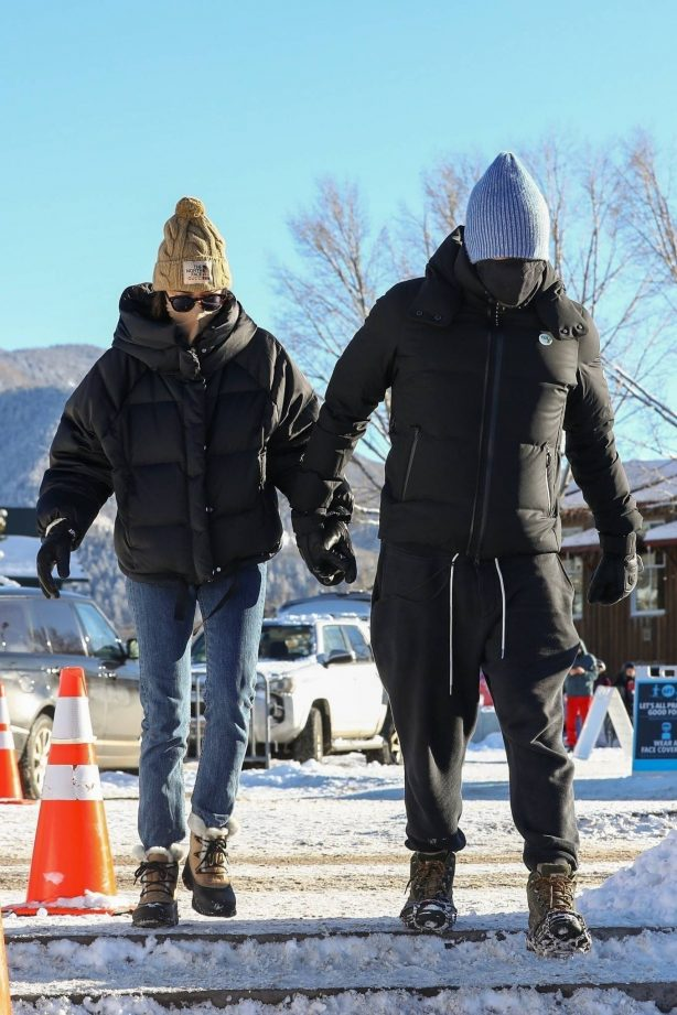 Chris Martin and Dakota Johnson - Seen during their holiday stay in Aspen