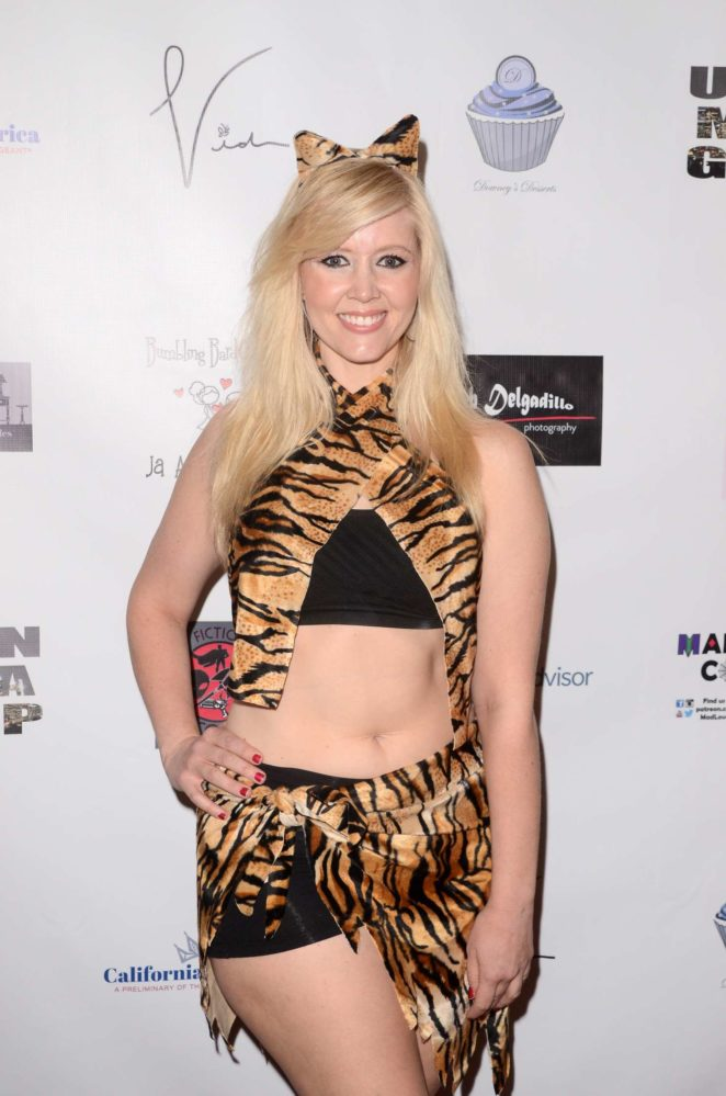 Chrissy Leigh Anderson at Halloween Hotness 4: Heating Up For The Cure in Hollywood