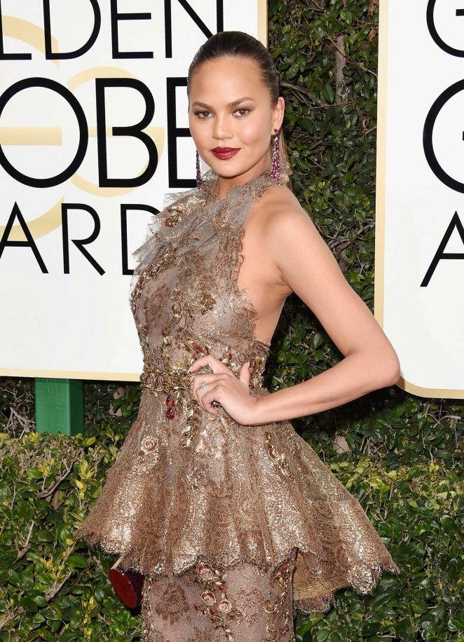 Chrissy Teigen – 74th Annual Golden Globe Awards in Beverly Hills