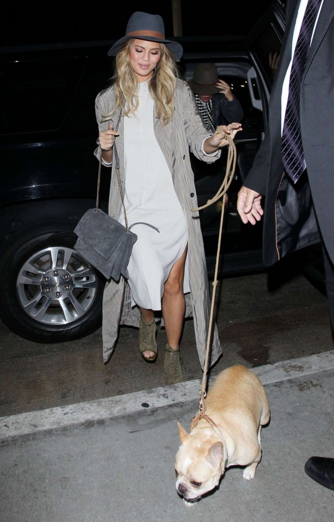 Chrissy Teigen - Arrives at LAX Airport in Los Angeles