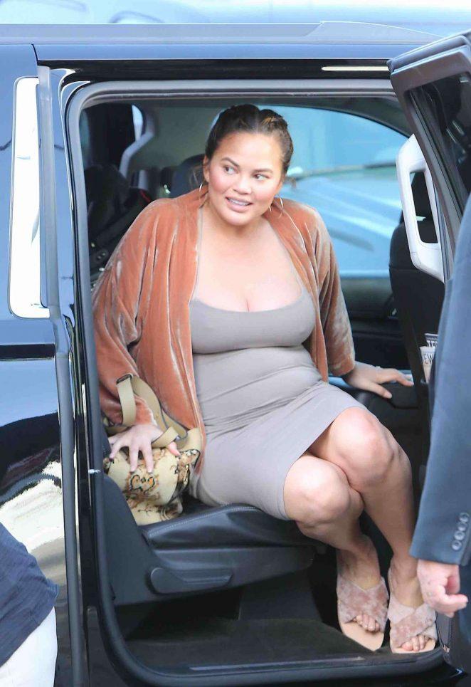 Chrissy Teigen - Arriving to a commercial set in LA