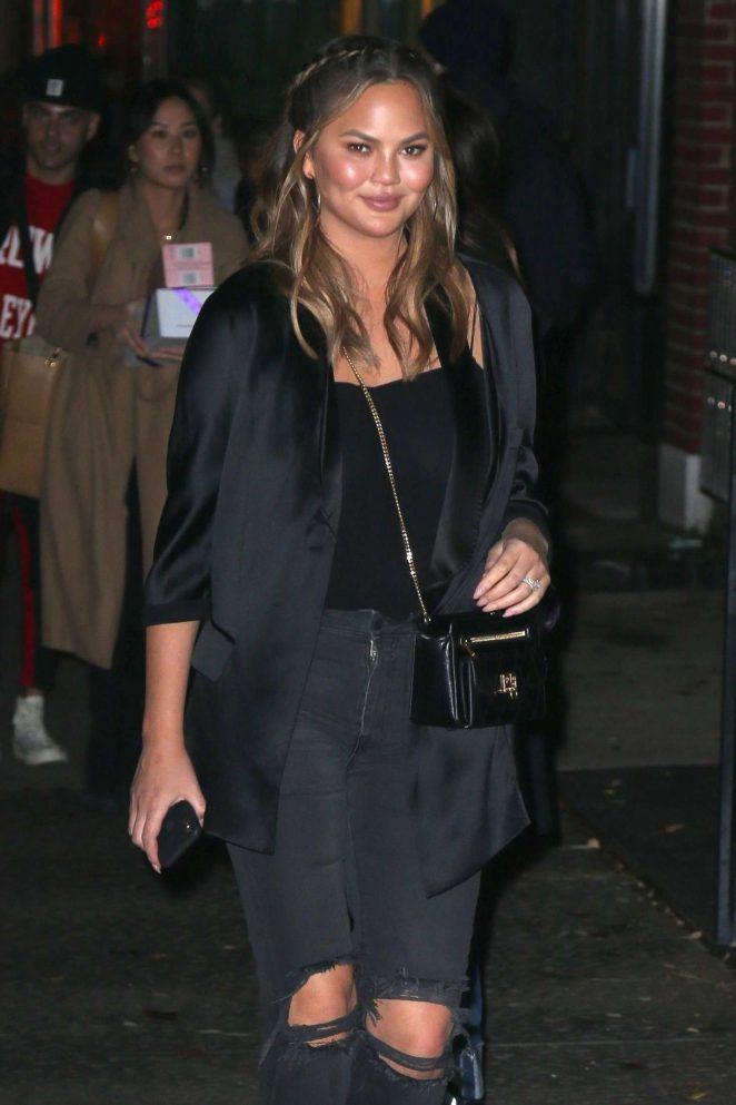 Chrissy Teigen - Leaves her apartment in New York