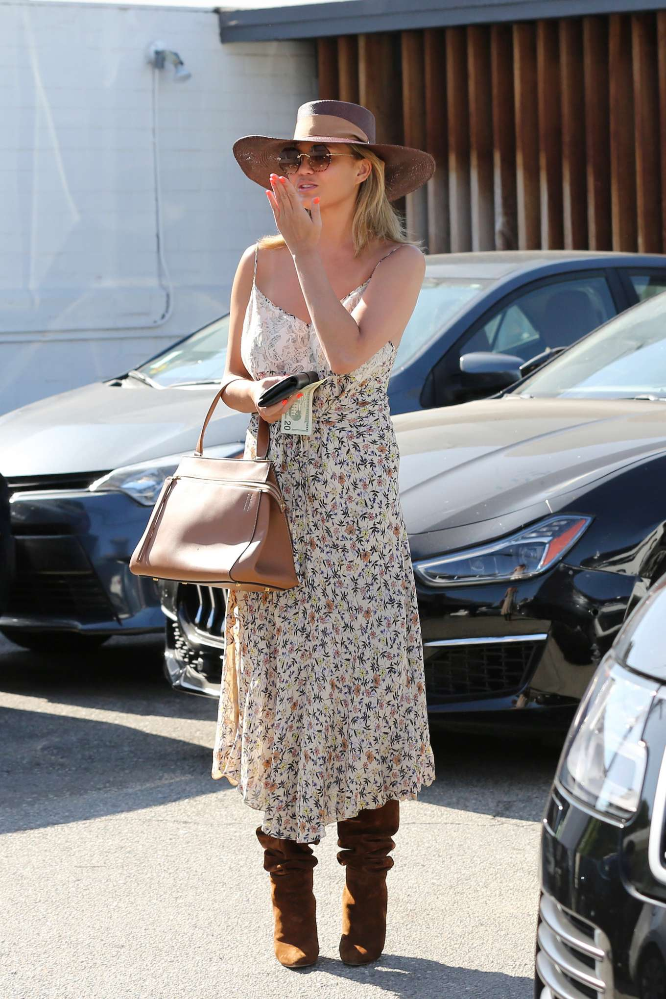 Chrissy Teigen 2019 : Chrissy Teigen – Leaving Meche hair salon in Beverly Hills-04