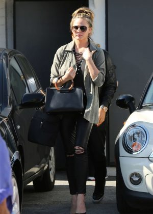 Chrissy Teigen - Leaving the salon in Los Angeles