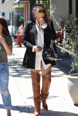 Chrissy Teigen - Seen after lunch at Katsuya with her mother in Studio City