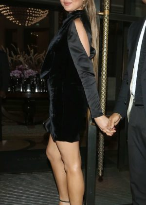 Chrissy Teigen - Seen arriving back at the hotel in London