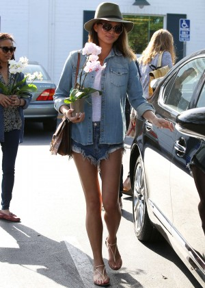 Chrissy Teigen in Jeans Shorts at Bristol Farms in West Hollywood