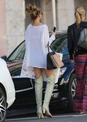 Chrissy Teigen - Shopping in Miami