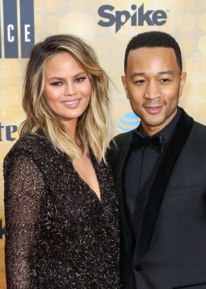 teigen single men Kim kardashian west and chrissy teigen joked on twitter over kanye west's return a pitch for the best category of single men 6:00 am what 'mommy brain.