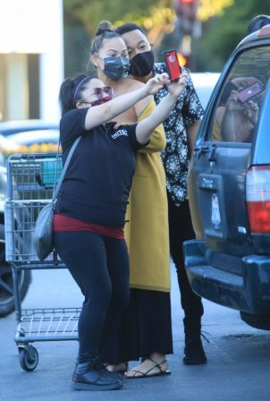 Chrissy Teigen - Took a Selfie with the fan at Bristol Farms in Beverly Hills