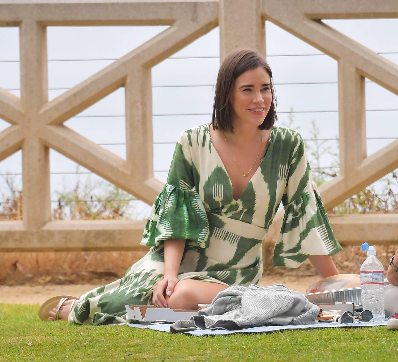 Christa Allen 2020 : Christa Allen – Seen at picnic lunch with a friend in Santa Monica -07