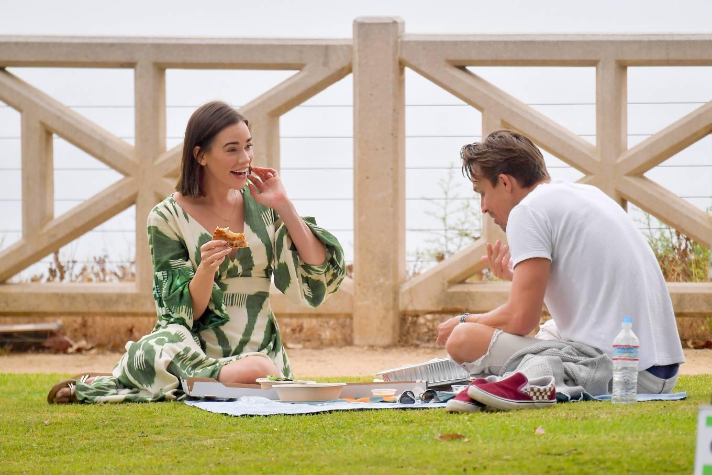 Christa Allen 2020 : Christa Allen – Seen at picnic lunch with a friend in Santa Monica -08
