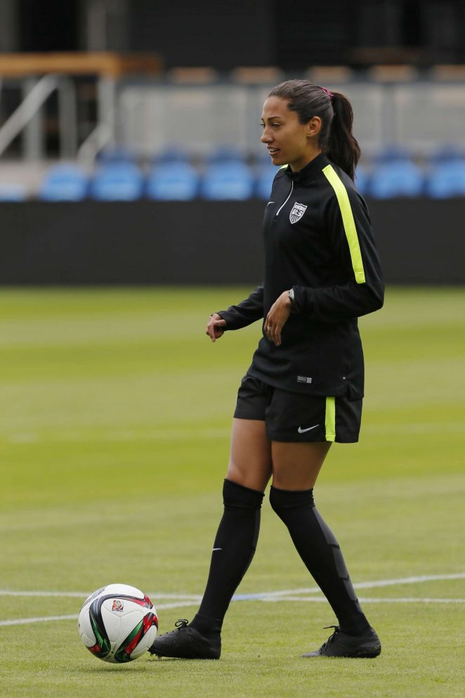 Christen Press – Speaking to the Media before Practice in