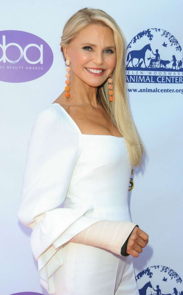 Christie Brinkley - 2019 Beauty Awards in Hollywood