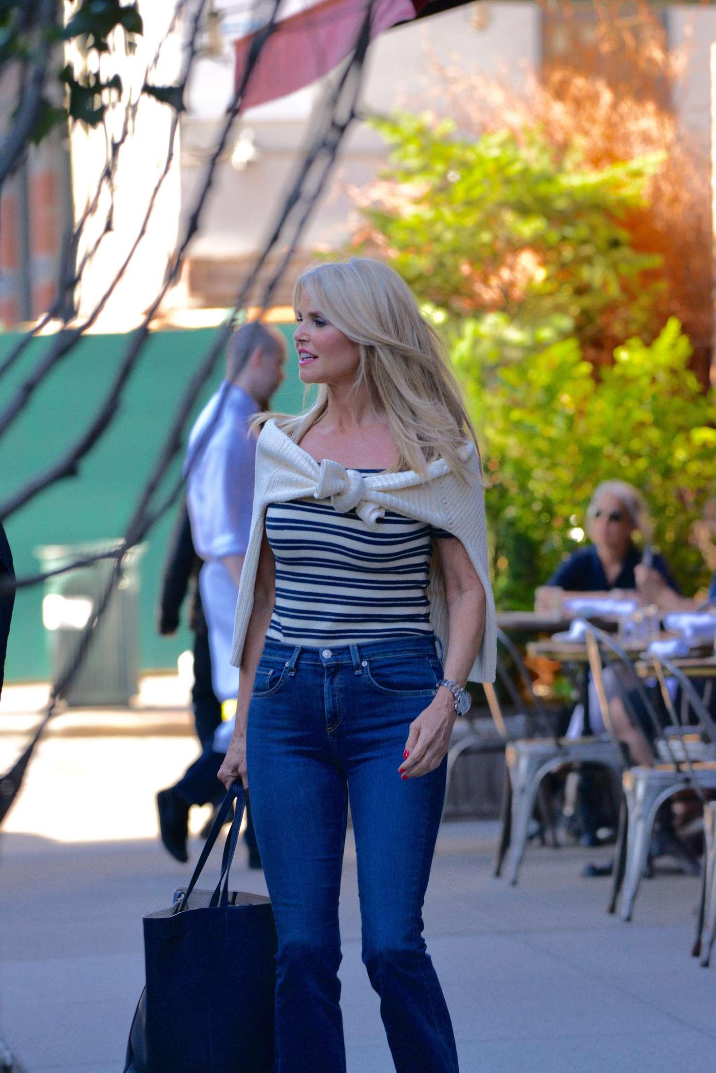 Christie Brinkley in Jeans -01 | GotCeleb