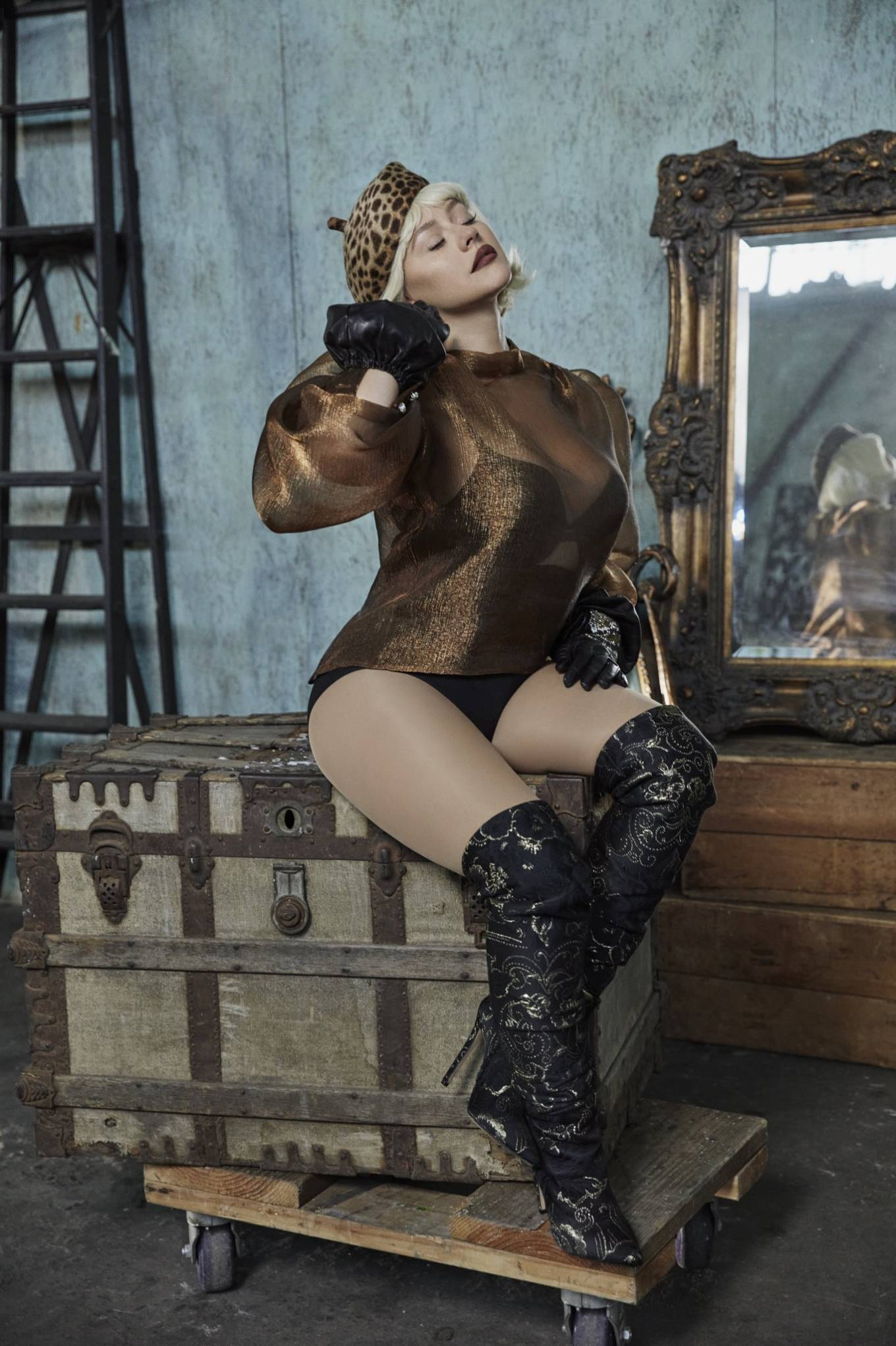 Christina Aguilera - L'Officiel magazine (Italia - Fall Winter 2020)