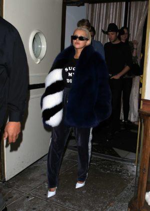 Christina Aguilera - Leaving Delilah in Los Angeles