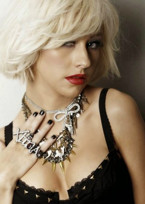 Christina Aguilera - Leisure Latino Spain Magazine (January 2015)