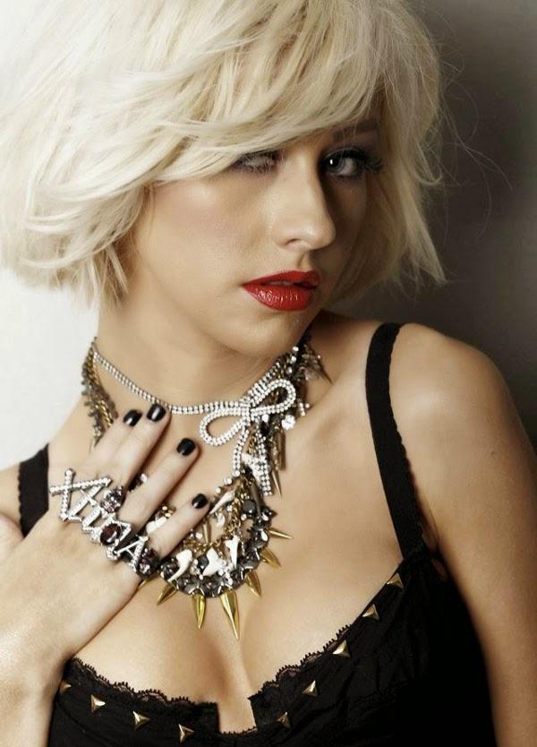 Christina Aguilera – Leisure Latino Spain Magazine (January 2015)