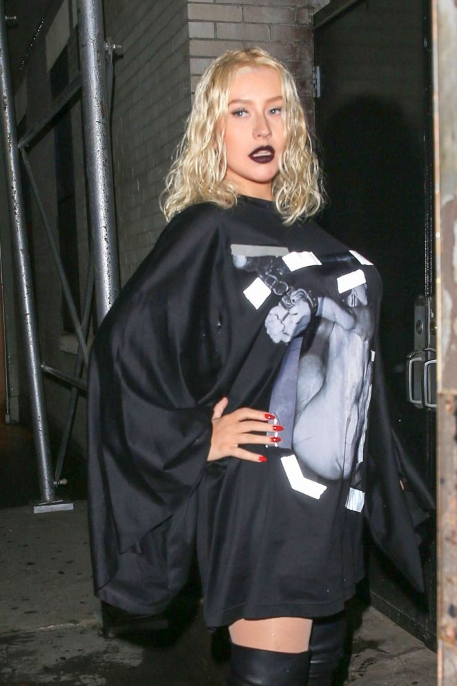 Christina Aguilera - Out and about in NYC