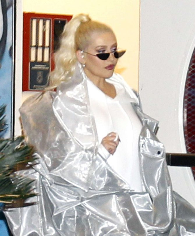 Christina Aguilera – Out in Los Angeles