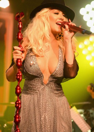 Christina Aguilera - Performs at Apollo in The Hamptons