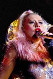 Christina Aguilera - Performs Live in Locarno
