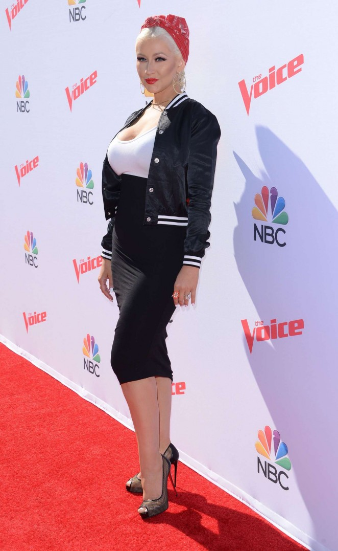 Christina Aguilera: The Voice Karaoke For Charity -15
